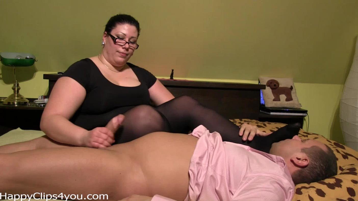 BBW Carolina's oil cock massage with foot smelling and talks