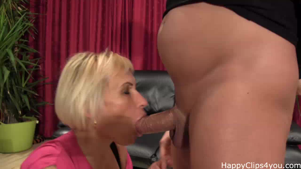 Grace's blowjob and oil cock massage with happy finish