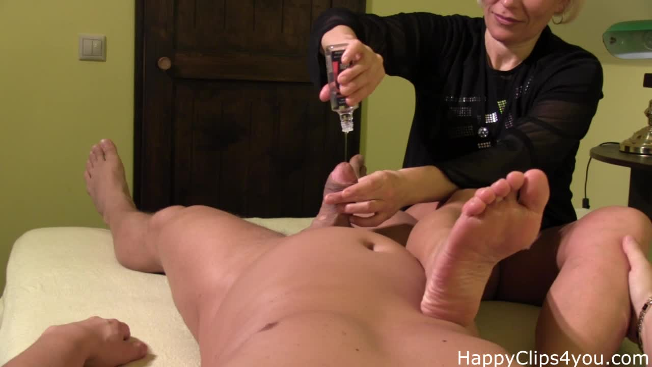 Nice oil massage and jerk off clip by Grace