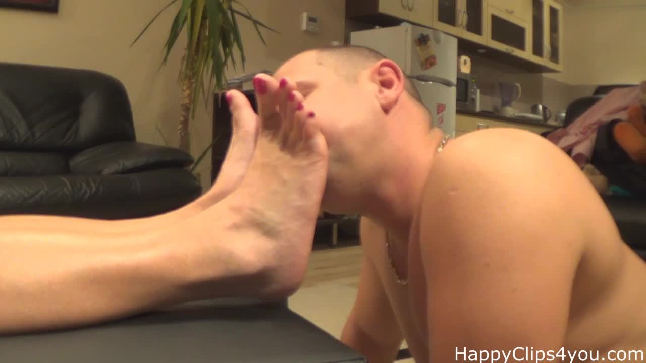 Long smelly soles sniffing and smelling