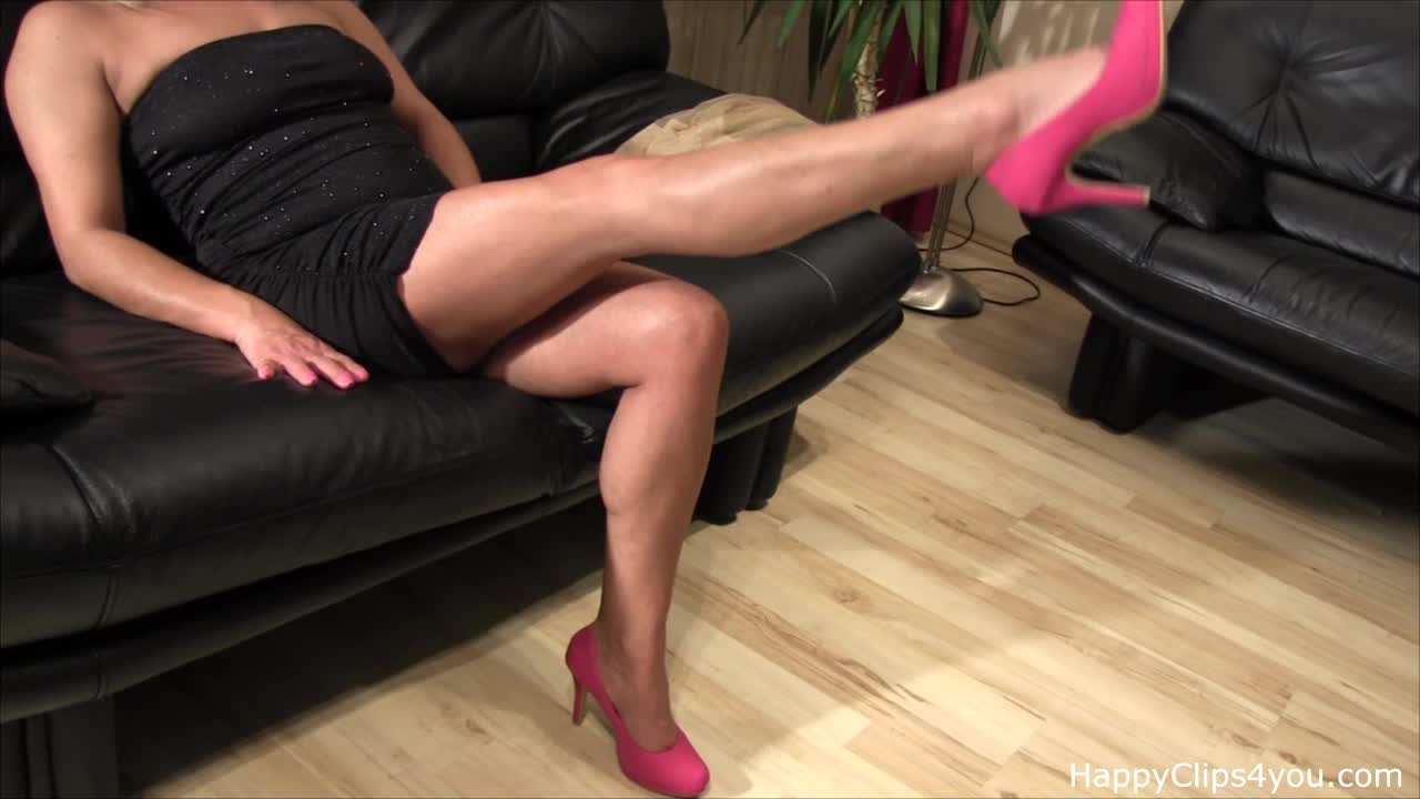 Mrs Loren foot fetish video