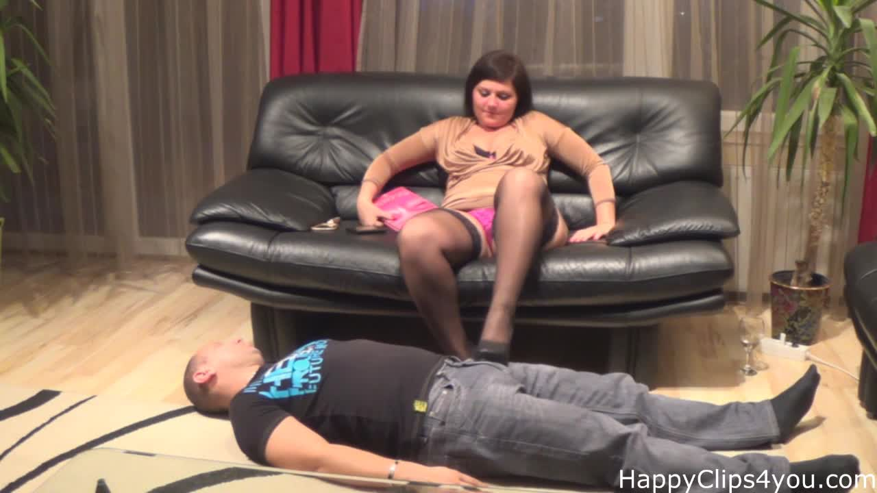 Foot slave session with Molly