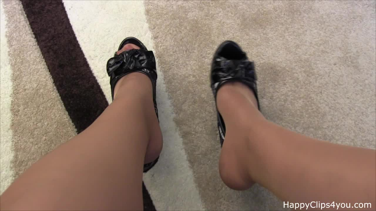 Natalie high heels shoes dipping, shoeplay